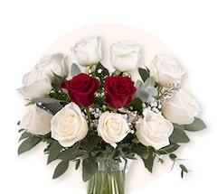 Diamante y Corazón: 12 Rosas
